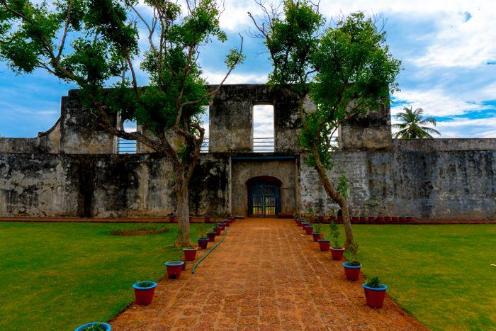 anjengo-fort-inside