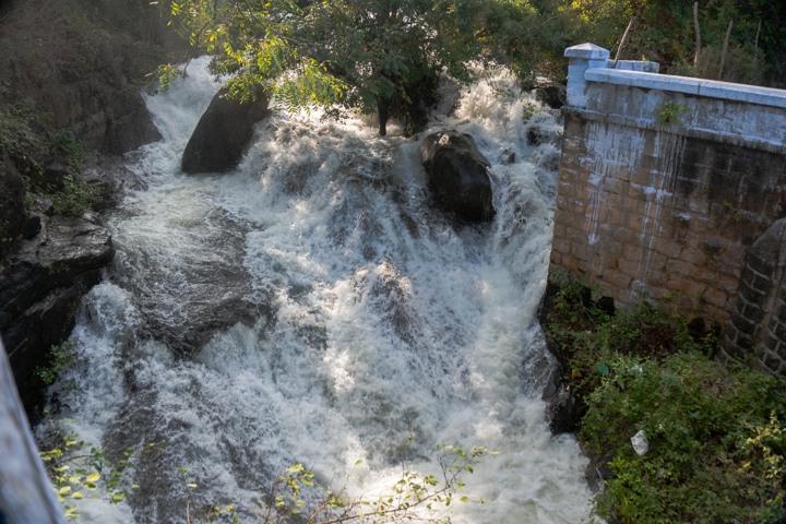 valpara pollachi hairpin waterfall